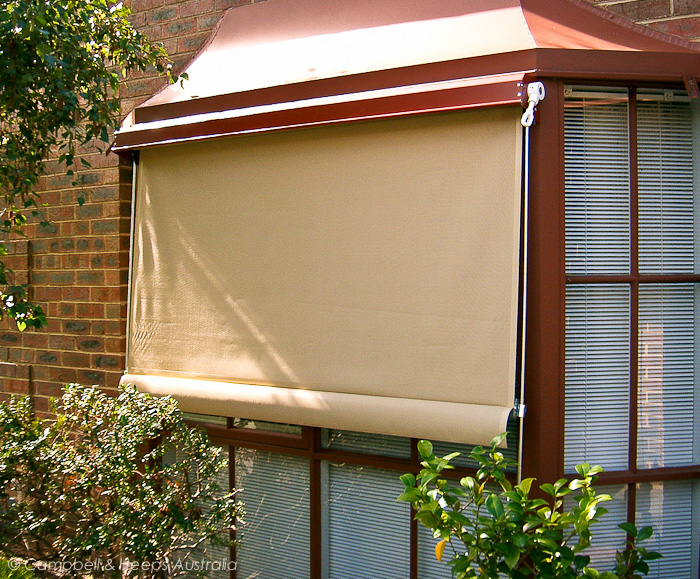 bay-window-geared-fixed-guide-awning